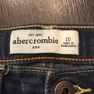 Abercrombie & Fitch Bottoms - Abercrombie and Fitch Kids . Excellent condition